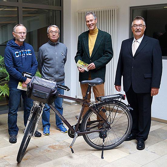 v.l.n.r. Hans-Peter Berr, Norbert Marquard von den Pedalos, Ronald Mühe, Konrad Rupprecht, Bürgermeister Markt Feucht